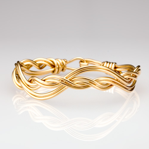 Ocean Waves Bracelet in gold
