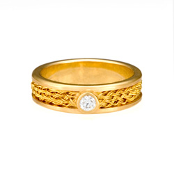 Inset Weave Ring in 18k & 22k gold with diamond