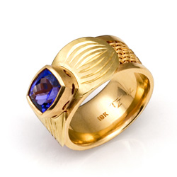Inset Weave Ring 18k gold with carved setting for cushion cut tanzanite