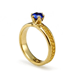 Sapphire Solitaire Ring in 18k gold with 22k weave