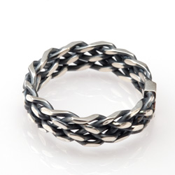 Six Strand Oxidized Ring