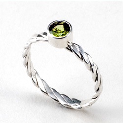 Peridot Stack Twist Ring